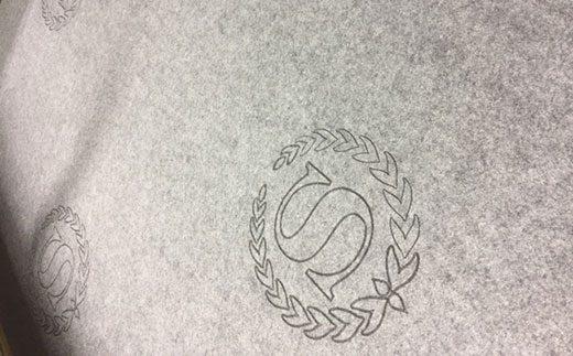 laser-felt-wall-covering-engraving-520